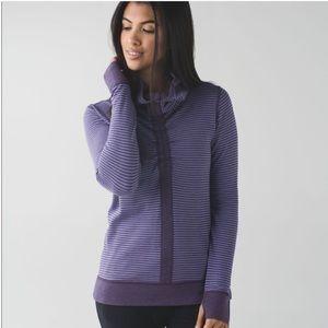 Lululemon in a cinch reversible cowlneck pullover